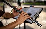 只想認真吹長笛 走上街頭的音樂人